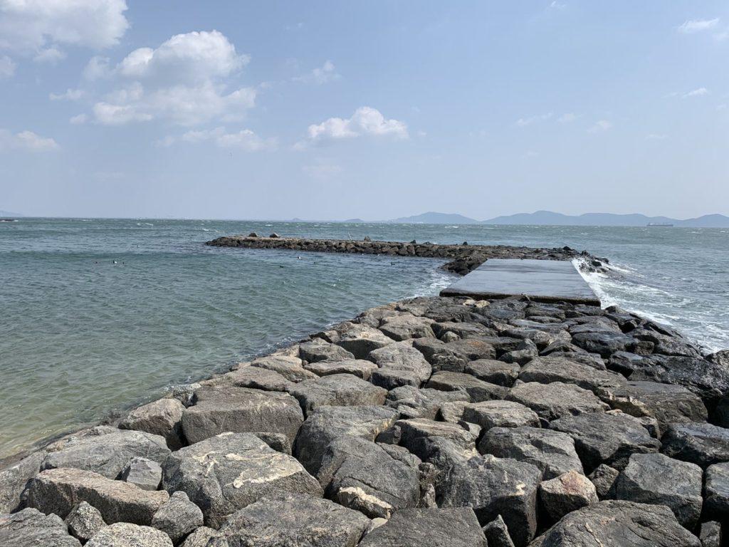 西浦海水浴場西側堤防
