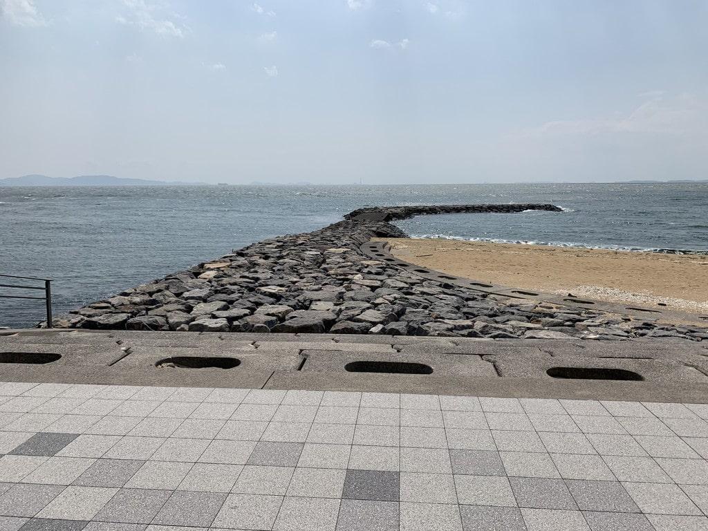 西浦海水浴場東側堤防