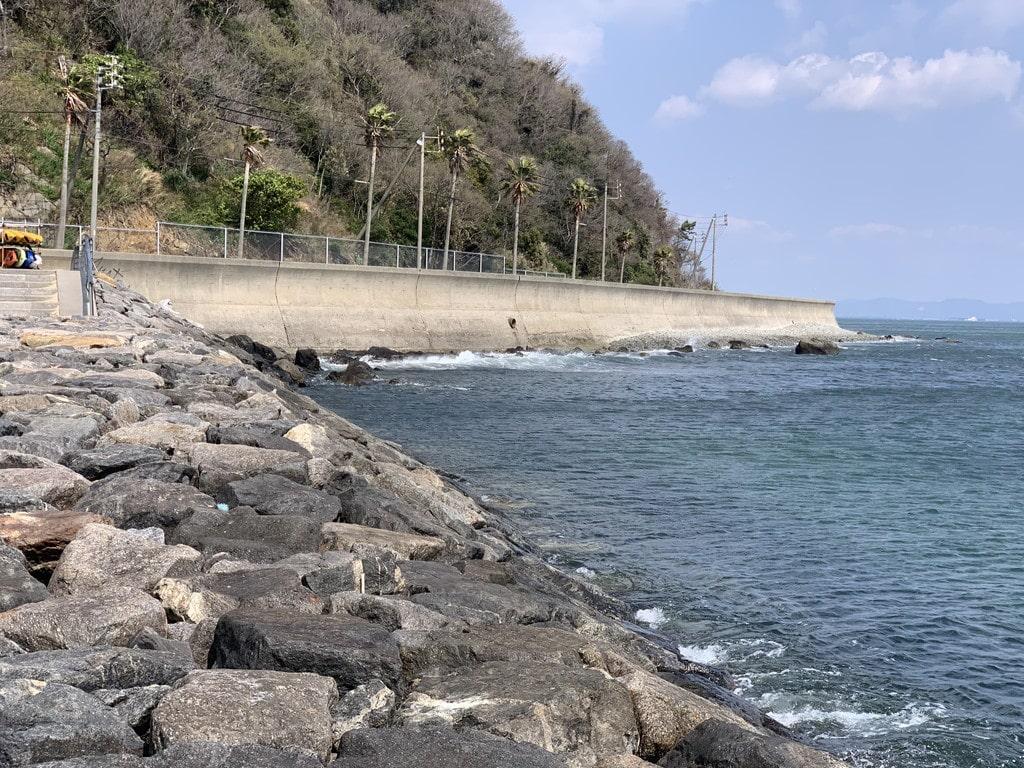 東側堤防ゴロタ