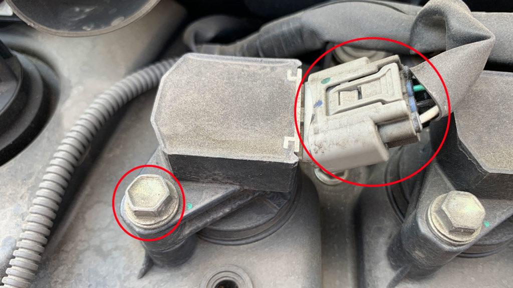 自動車のスパークプラグ交換は簡単で燃費向上にも効果的